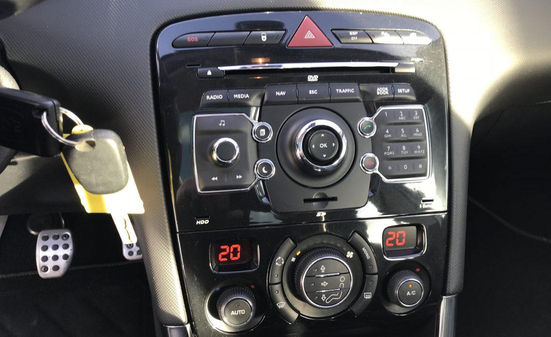 peugeot 308 gti clio essence 020